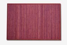 Alfombra bambú Leonardo.  Las alfombras de bambú son ecológicas y resistentes gracias a su fibra natural de rápido crecimiento.  Fáciles de lavar, anti-deslizantes, costuras reforzadas y resistentes al agua. #alfombras #bambú #decoración #rojo