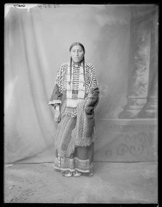 Susie ThunderHawk - Sicangu Lakota- 1904 Native American Photos, Native American Women, Native American History, American Indians, American Life, Indian Tribes, Native Indian, Native Art, Sioux
