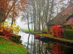 "If you ever wanted to live your own fairy-tale, you may want to consider moving to the village Giethoorn. Also known as ""the Venice of the Netherlands"", this magical village is the kind most people could only dream of… Landscape Photos, Landscape Photography, Nature Photography, Travel Photography, Vila Medieval, Beautiful World, Beautiful Places, Amazing Places, Image Nature"