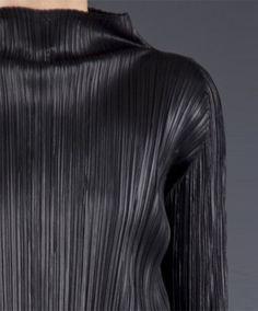 New fashion art exhibition issey miyake ideas Mature Fashion, Quirky Fashion, Minimal Fashion, Fashion Art, New Fashion, Trendy Fashion, Fashion Outfits, Fashion Design, Coco Chanel