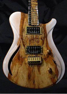 Réalisé à la main par les gars de chez #Brubaker #Instruments Retrouvez des cours de #guitare d'un nouveau genre sur https://www.mymusicteacher.fr !