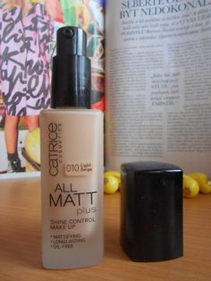 Catrice Cosmetics All Matt Plus make-up / foundation, great one that helps to keep the shine at bay:-)