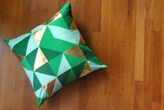 Green & Gold Geometric Pillow D.I.Y. - Spring / St. Pat's Day Decor // Oleander+Palm