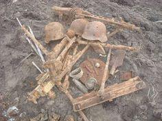 dug eastern front Germany Ww2, War Machine, World War Two, Wwii, Rust, Berlin, Crafts, Military, Photos