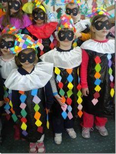 Kids Crafts, Clown Crafts, Carnival Crafts, Carnival Games, Brazil Carnival Costume, Costume Carnaval, Carnival Costumes, Halloween Costumes, Circus Theme