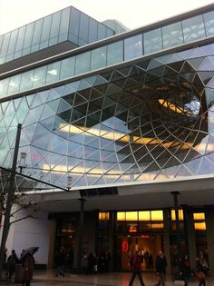 MAB ZEIL - Picture gallery Amazing Architecture, Architecture Design, Building Architecture, Atrium, Renewable Energy, Frankfurt, Animals And Pets, Germany, Studio