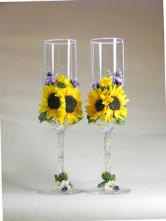 Wedding Champagne Glasses with Sunflowers and Lavander, Rustic Toasting Flutes, bride and groom, Wedding supplies, Personalized wedding gift Wedding Gifts For Bride And Groom, Unique Wedding Gifts, Personalized Wedding Gifts, Bride Gifts, Unique Weddings, Wedding Ideas, Wedding Quotes, Gift Wedding, Wedding Glasses