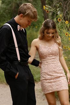 Homecoming 2020 Pictures, Homecoming Couples, Best Couples, Homecoming Dresses The Effective Pictures We Offer You About Homecoming poses A quality picture can tell Prom Photos, Prom Pictures, Homecoming Group Pictures, Mermaid Shorts, Hoco Dresses, Dance Dresses, Homecoming Dresses Tight, Preppy Dresses, Country Dresses
