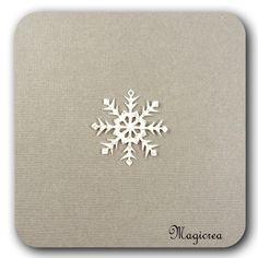 FLOCON DE NEIGE PVC 3 CM BLANC DORE - Boutique www.magicreation.fr Pvc, Boutique, Flakes, Snow, White People