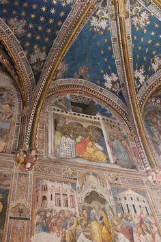 Maravillas ocultas de España: La Catedral de Toledo.Enfrente de la puerta de Santa Catalina,veremos la entrada a la Capilla de san Blas,otra puerta gótica del s.XIV ,adornada con pinturas de Salvador Maella,   Spain