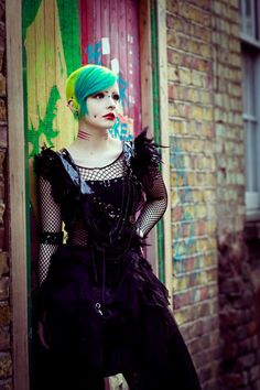Iska Ithil.  Everything about this costume and her hair and tats and makeup and just everything. O.O