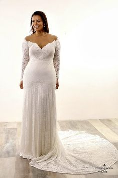 Flattering plus size style for plus size bride. Full lace fit and flare gown with long lace off shoulder sleeves. Plus Size Brides, Plus Size Wedding Gowns, Plus Size Gowns, Wedding Gowns With Sleeves, Long Sleeve Wedding, Plus Size Outfits, Gorgeous Wedding Dress, Wedding Dress Styles, Bridal Dresses