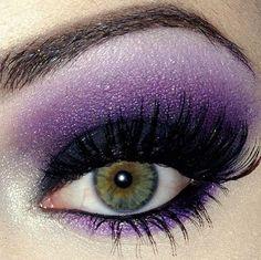 Classy Eye Makeup Ideas For Green Eyes That Looks Cool - Makeup Looks 💄 Purple Smokey Eye, Purple Eye Makeup, Purple Eyeshadow, Makeup For Green Eyes, Eyeshadow Looks, Skin Makeup, Beauty Makeup, Smoky Eye, Lila Palette