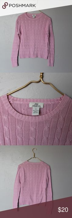 Brooks Brothers 346 Women's 100% Cotton Sweater Good condition. Thinner comfortable knit with vertical cable knit pattern. See photos. See below for approx measurements:  Bust: 44 in  Sleeve: 32 in  Length: 22.5 in  Shoulder: 17.5 in Brooks Brothers Sweaters Crew & Scoop Necks