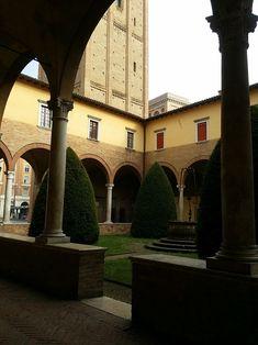 Forlì - Abbazia di San Mercuriale - Chiostro esterno Mansions, House Styles, Fotografia, Manor Houses, Villas, Mansion, Palaces, Mansion Houses, Villa