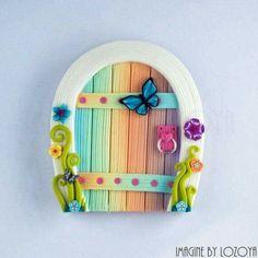 Fairy Door Model Pérez // Fairy doors by imaginebylozoya models Polymer Clay Fairy, Polymer Clay Crafts, Polymer Clay Creations, Diy Clay, Tooth Fairy Doors, Clay Fairy House, Fairy Houses, Horseshoe Crafts, Fairy Crafts