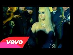 Music video by Avril Lavigne performing Hot. (C) 2007 RCA/JIVE Label Group, a unit of Sony Music Entertainment