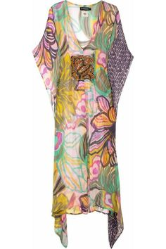 Multicolored demi-sheer printed chiffon kaftan with bead embellished bust. Antik Batik kaftan has a deep V-neck, open sleeves and simply slips on. Pastel Fashion, Colorful Fashion, Simple Dresses, Day Dresses, Fashion Prints, Fashion Design, Batik Dress, Fashion Now, Gowns Of Elegance