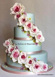 elegant cake - Cake by Luciana Amerilde Di Pierro