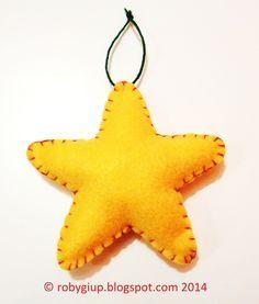 Stelle di feltro imbottite (tutorial e template gratuito) da appendere all'albero di Natale o per personalizzare i pacchetti regalo! - RobyGiup handmade