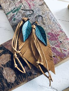 Feather Jewelry, Arrows, Bucket Bag, Burlap, Reusable Tote Bags, Leather, Hessian Fabric, Feather Headdress, Pouch Bag
