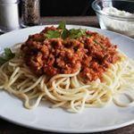 Tarta de manzana (Muy fácil) | CACEROLADAS: Tarta de manzana (Muy fácil) Spaghetti, Salsa Verde, Hummus, Ethnic Recipes, Food, Carrot Muffins, Spaghetti Bolognese, Apple Slices, Banana Crumb Cake