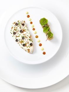 Breast of young hen, Australian black truffle, lemon confit, and braised leek by chef Thomas Lents of Sixteen. © Neil Burger - See more at: http://theartofplating.com/news/breast-of-young-hen-by-thomas-lents-2/#sthash.eSZgm4SW.dpuf