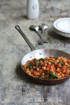 moroccan spice chickpea & spinach.