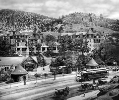 A streetcar line ran down West Colorado Avenue by 1905, linking Colorado Springs, Colorado City and Manitou Springs.