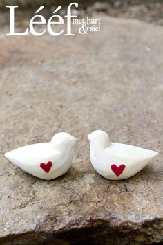 love the little birds Little Birds, Afrikaans, Rustic Interiors, Rustic Design, Pretty Pictures, Cake Toppers, Red And White, Clip Art, Pottery