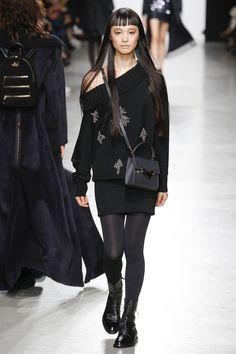 Valentin Yudashkin Fall 2017 Ready-to-Wear Collection Photos - Vogue