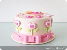 Heart flower cake