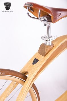 Wooden Bikes - Handmade in Italy - Designed by Gianni Speciale Wooden Bicycle, Wood Bike, Cool Bicycles, Vintage Bicycles, Cycling Art, Cycling Quotes, Cycling Jerseys, Trike Scooter, Electric Bike Kits