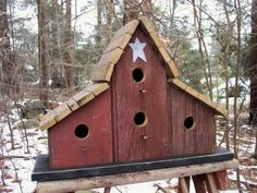 Primitive Barnwood Birdhouse Tobacco Lath Roof Four Hole White Primitive Star