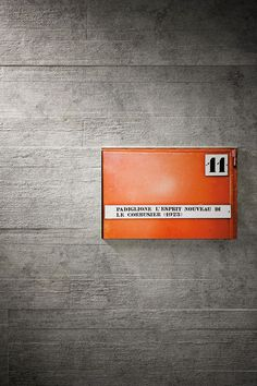 """Marazzi """"Brooklyn"""" porcelain tiles with a concrete look and textured formwork effect"""
