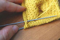 Piquer une maille à relever sur le côté d'un talon de bas Lana, Knitted Hats, Maude, Socks, Couture, Knitting, Accessories, Points, Design