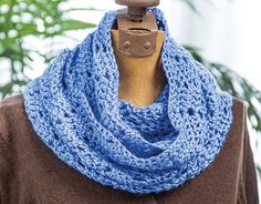 Learn how to crochet a variety of ripples to use for home items, baby, and more!  http://www.bookdrawer.com/go/learn-to-crochet-ripples/   Peekaboo Cowl  (affiliate link)