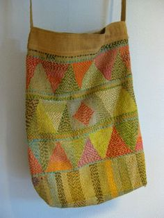 Colorful sashiko embroidery on this bag. Sashiko Embroidery, Japanese Embroidery, Embroidery Stitches, Embroidery Patterns, Hand Embroidery, Boro Stitching, Hand Stitching, Design Textile, Textiles