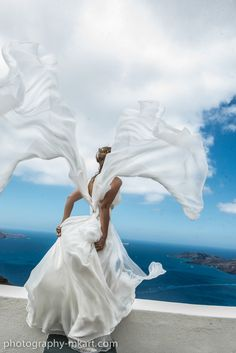 A beautiful bride in Santorini