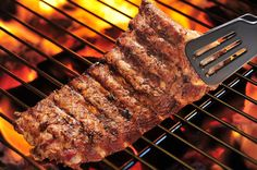 Looking for a good grill? Check our buying guide http://yummyribs.com/how-to-buy-a-grill/ #grill #blackfriday #bbq