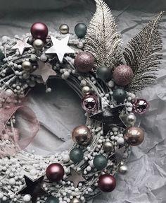 Christmas Wreaths, Christmas Decorations, Xmas, Holiday Decor, Perfect Place, Advent, Instagram, Wreath Ideas, Home Decor