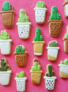 Things will get real sweet at your bridal shower with these potted cactus cookies. Cookies Decorados, Galletas Cookies, Cute Cookies, Cupcake Cookies, Sugar Cookies, Cupcakes, Macarons, Cookie Wedding Favors, Cookie Flavors