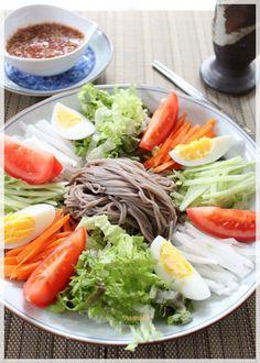 Bibin buckwheat (Memirukukusu) Korean Cold Noodles