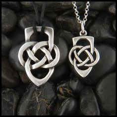 Celtic Father's Knot Pendant in Sterling Silver, Celtic Father's Acorn Pendant in Silver Dragonfly Necklace, Knot Necklace, Celtic Symbols, Celtic Art, Gold Jewellery Wallpaper, Celtic Knot Tattoo, Celtic Knots, Father Tattoos, Key Rings