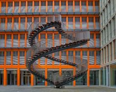 9 metre high continuous staircase at KPMG Munich