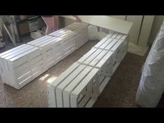 full size bed frame out of pallets Pallet Bed Frames, Diy Pallet Bed, Bed Pallets, Pallet Wood, Diy Storage Bed, Bed Frame With Storage, Crate Storage, Wooden Crates Bed, Bed On Crates