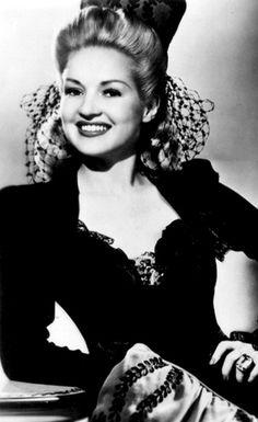 Betty Grable Online - Portraits