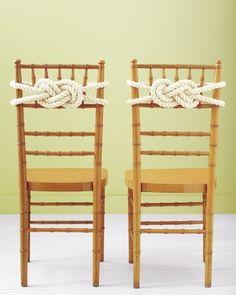 Knoten auf den Stuhl! :)