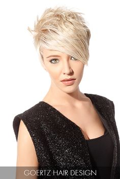 Front length Straight to the point! This cropped cut amps up the texture at the crown before descending into an angular bang. Short Sassy Hair, Girl Short Hair, Short Hair Styles, Hot Haircuts, Funky Hairstyles, Haircut And Color, Pixie Haircut, Hair Dos, 50 Hair
