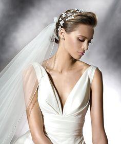 "Pronovias 2016 Spring Bridal Collection (Preview)   The FashionBrides. """